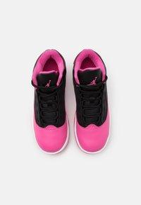 Jordan - MAX AURA 2 UNISEX - Basketball shoes - black/pinksicle/white - 3