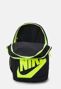 Nike Sportswear - SET UNISEX - Batoh - black/laser blue/volt - 2