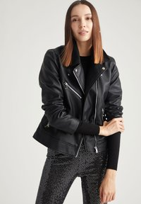 DeFacto - Giacca in similpelle - black - 3