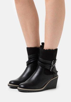 AMANDA - Wedge Ankle Boots - black
