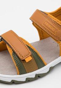 Friboo - Chodecké sandály - cognac - 5