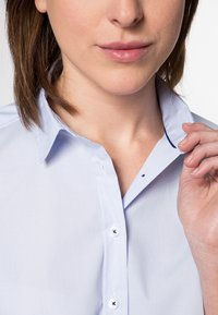 Eterna - MODERN CLASSIC - Button-down blouse - hellblau - 2