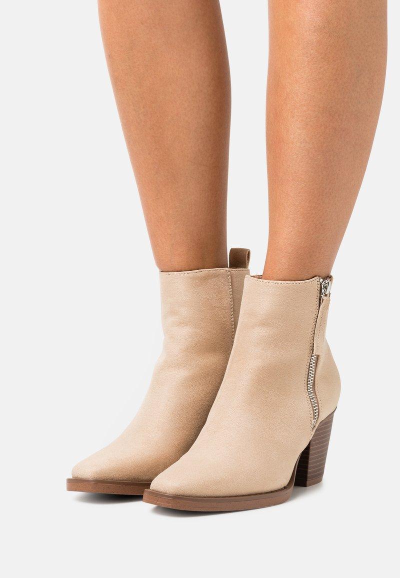 Even&Odd - Korte laarzen - beige
