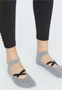 OYSHO - 2ER-PACK  - Sports socks - black - 0