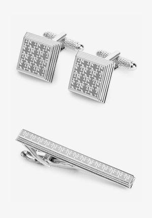 Övriga accessoarer - silver