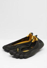 Vibram Fivefingers - CLASSIC - Minimalist running shoes - black - 2