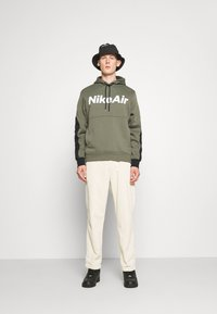 Nike Sportswear - AIR HOODIE - Mikina s kapucí - twilight marsh/black/white - 1