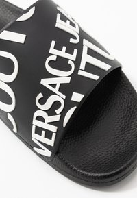 Versace Jeans Couture - Pool slides - nero - 5