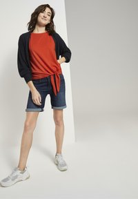 TOM TAILOR - MIT KNOTENDETAIL - Top - strong flame orange - 1