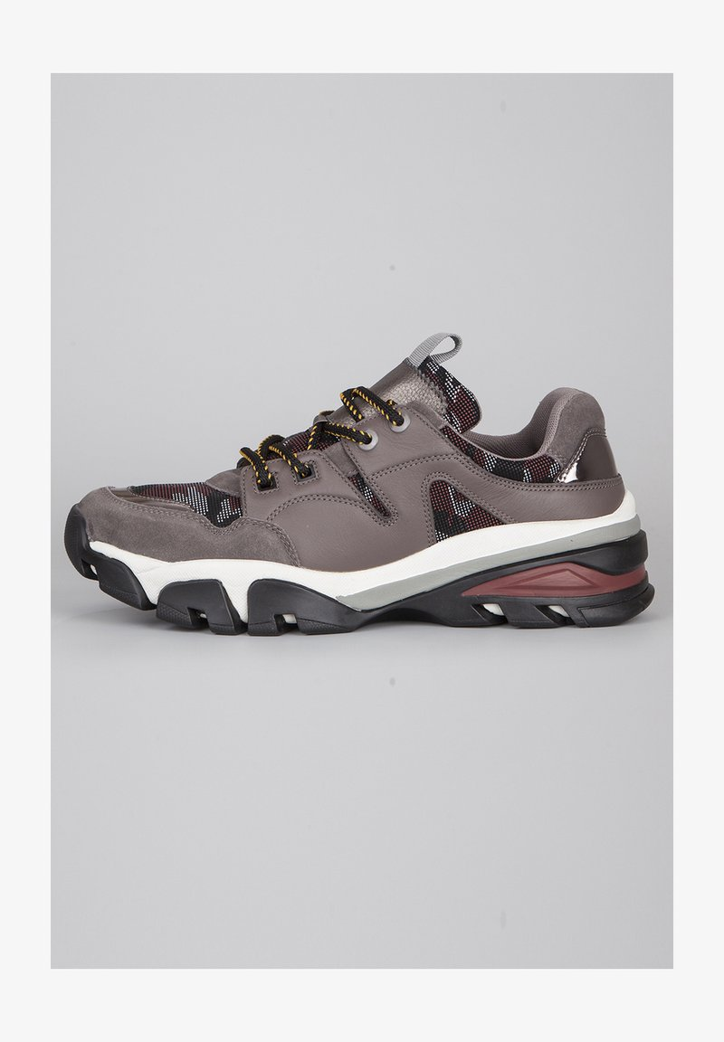 TJ Collection - Sneakers laag - grey