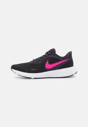 REVOLUTION 5 - Chaussures de running neutres - black/hyper pink/cave purple/lilac/white