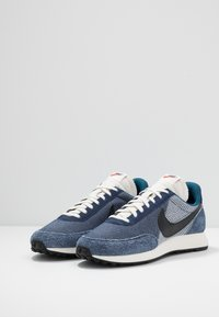 Nike Sportswear - AIR TAILWIND 79 SE - Baskets basses - midnight navy/black/blue force/sail/team orange - 2