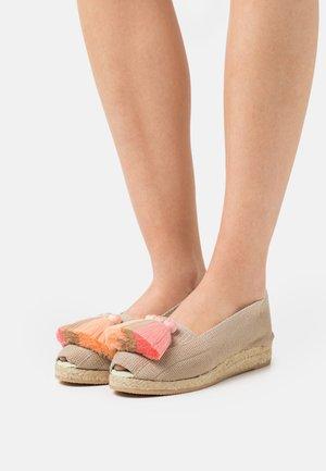 Wedge sandals - rosa/beige/salmon