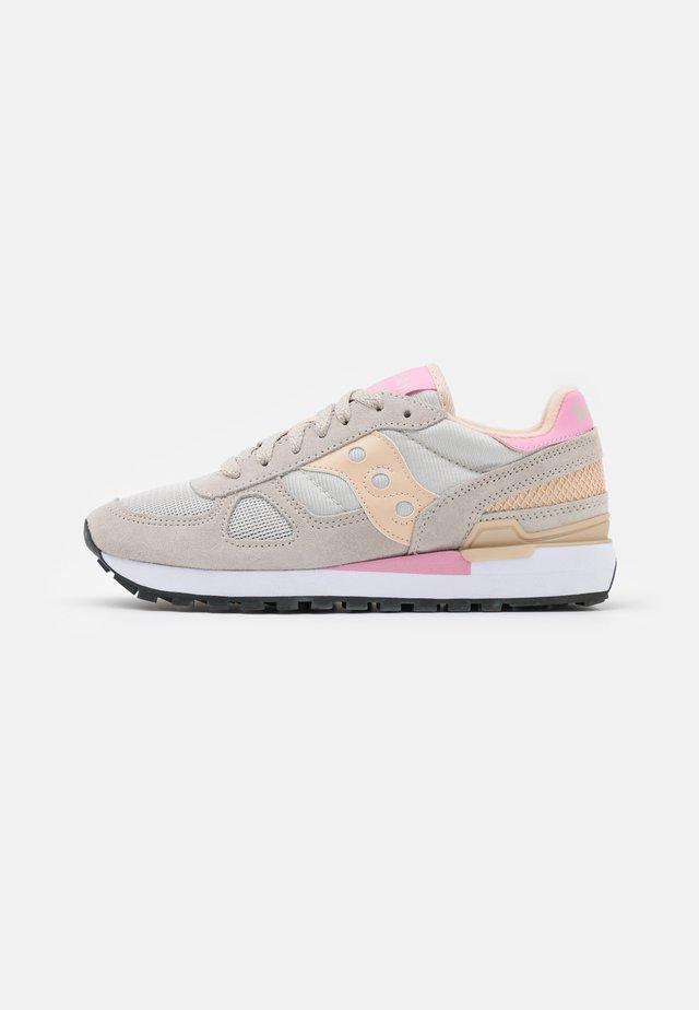 SHADOW ORIGINAL - Sneakers basse - tan/almond/pink