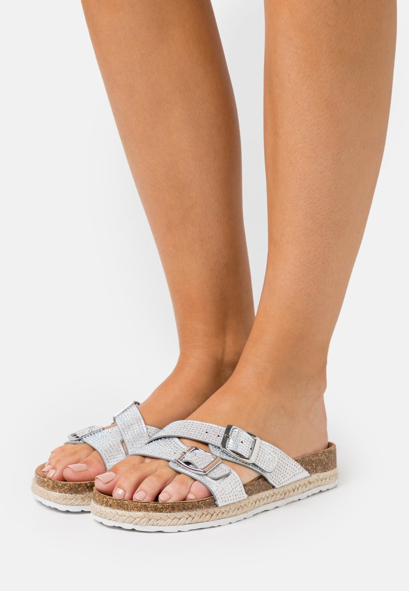 Dorothy Perkins - FOXY DOUBLE BUCKLE FOOTBED - Slippers - silver