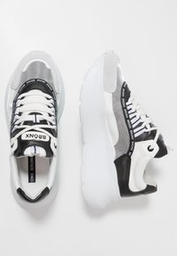 Bronx - GRAYSON - Joggesko - white/black - 3