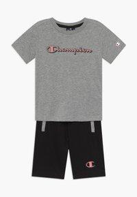 Champion - LEGACY GRAPHIC SHOP SET UNISEX - Pantalón corto de deporte - mottled grey - 0