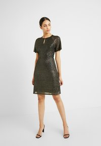 Dorothy Perkins Tall - KEYHOLE FIT AND FLARE - Cocktailkjole - bronze - 1