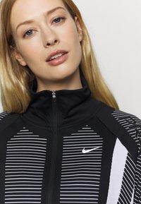 Nike Performance - Trainingsvest - black/white/metallic silver - 5