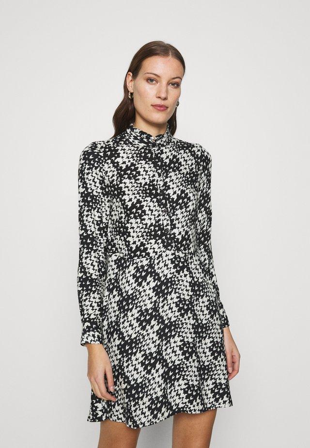 SWING MINI DRESS - Korte jurk - black