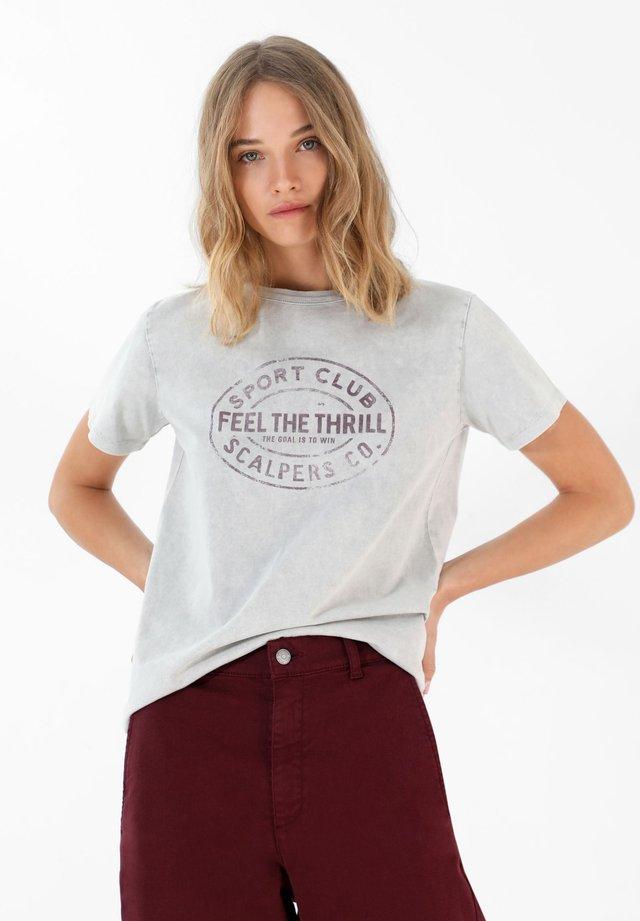 SCALPERS FADED PRINT T-SHIRT - Camiseta estampada - grey