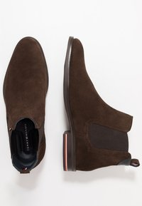 Tommy Hilfiger - SIGNATURE CHELSEA - Stiefelette - brown - 1