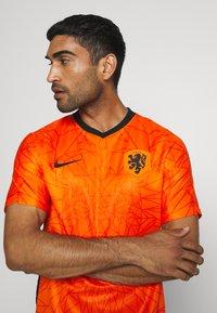 Nike Performance - NIEDERLANDE KNVB HOME - Voetbalshirt - Land - safety orange/black - 3