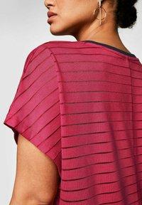Sheego - Print T-shirt - dunkelpink - 3