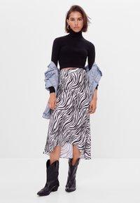 Bershka - Wrap skirt - black - 1
