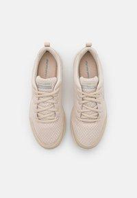 Skechers Sport - BOUNTIFUL - Sneakers basse - taupe/white - 5