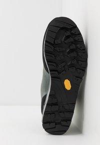 La Sportiva - TRANGO TECH WOMAN GTX - Hiking shoes - clay/celery - 4