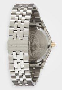 Versace Watches - HELLENYIUM - Zegarek - silver-coloured/black - 1