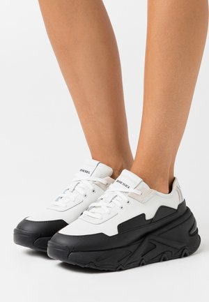 HERBY S-HERBY LC SNEAKERS - Matalavartiset tennarit - black/white