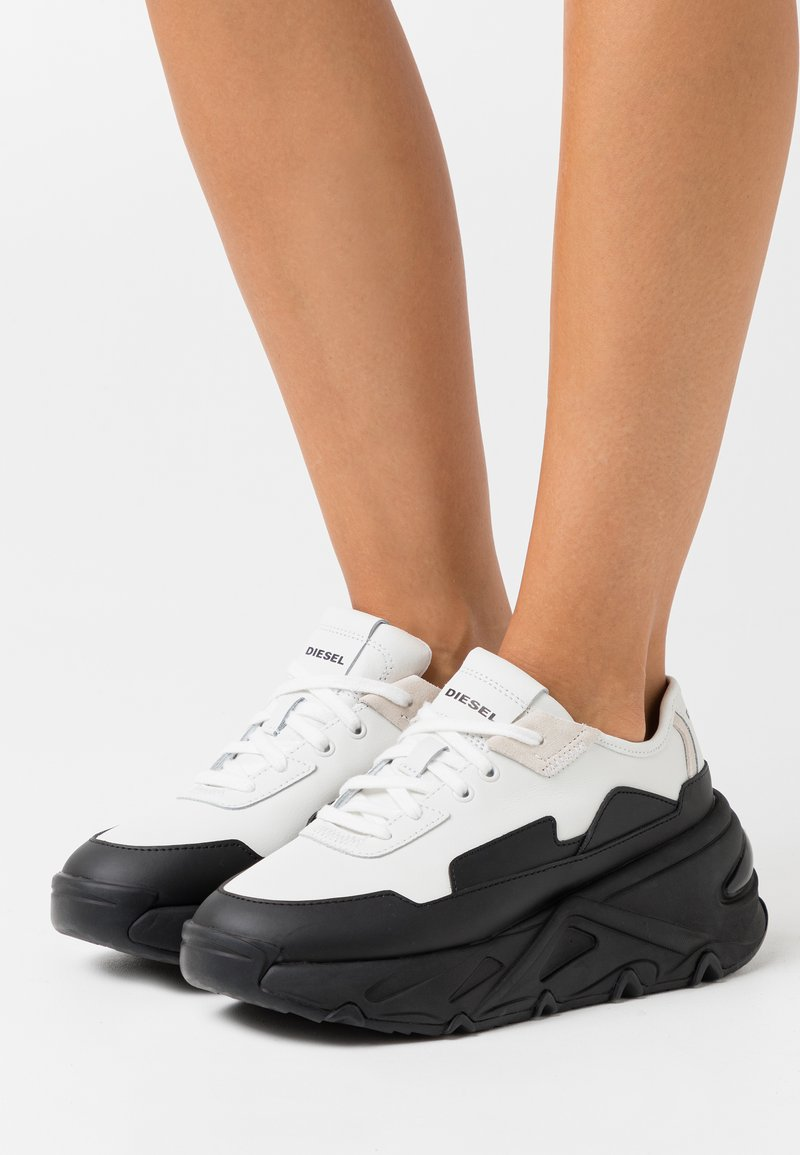 Diesel - HERBY S-HERBY LC SNEAKERS - Trainers - black/white