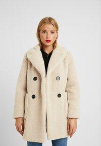 New Look Petite - LEAD IN BORG COAT - Cappotto invernale - cream - 0