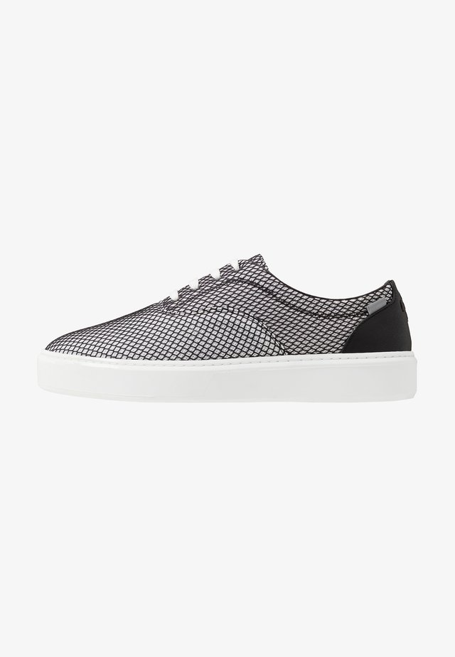 WING - Baskets basses - grey