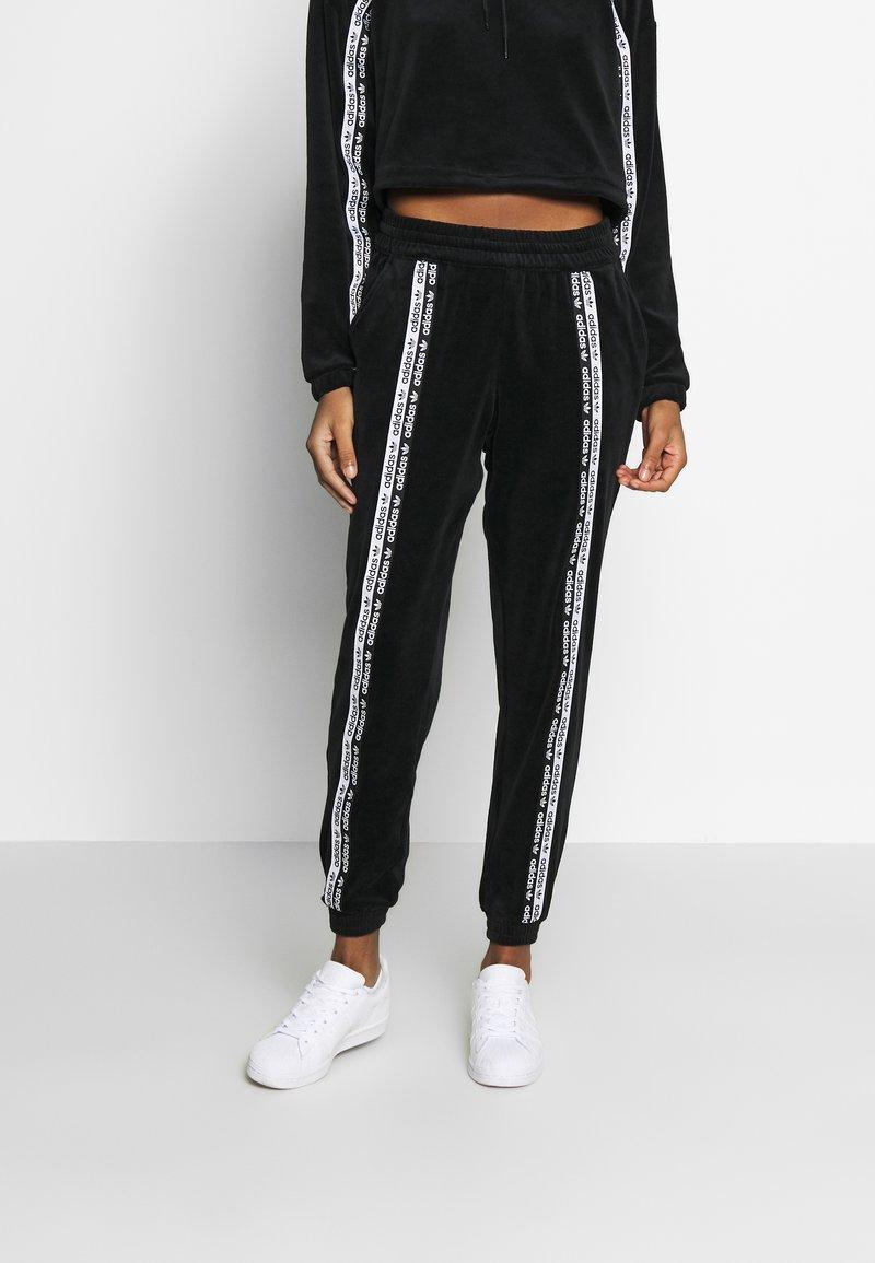 adidas Originals - CUFFED PANTS - Joggebukse - black