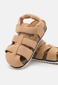 Cotton On - TYLER UNISEX - Sandals - semolina - 5