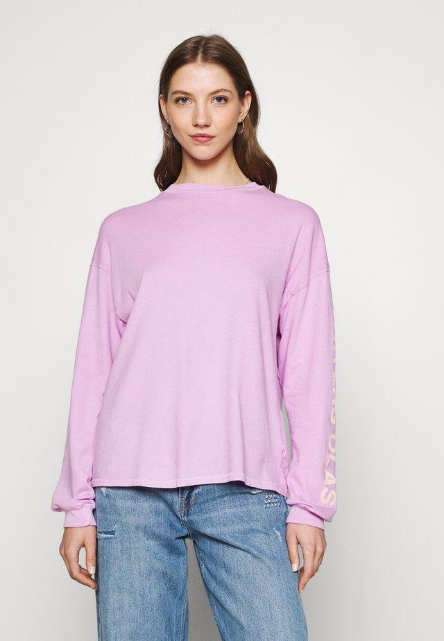 SURFADELIC LONG TEE - Top sdlouhým rukávem - lit up lilac