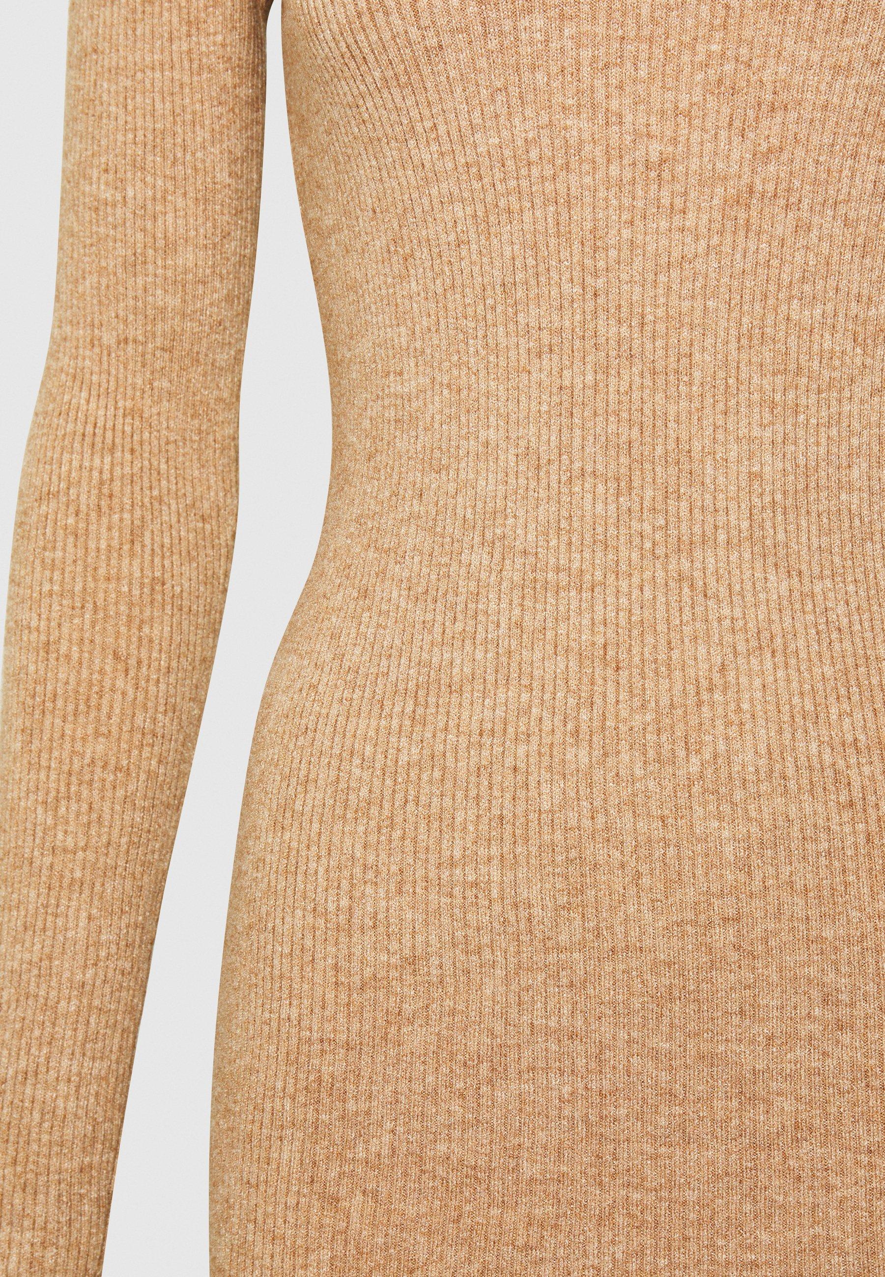 Object Tall OBJFAE THESS DRESS Stickad klänning fossil