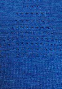 Sweaty Betty - STAMINA LONGLINE WORKOUT BRA - Urheiluliivit: keskitason tuki - blue quartz - 6