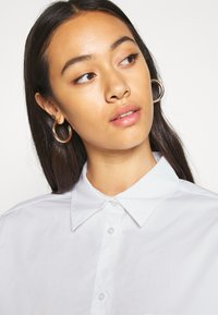 Monki - TAY SHIRT - Button-down blouse - white - 3