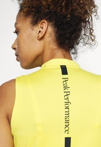 Peak Performance - TURF ZIP  - Polo shirt - citrine - 4