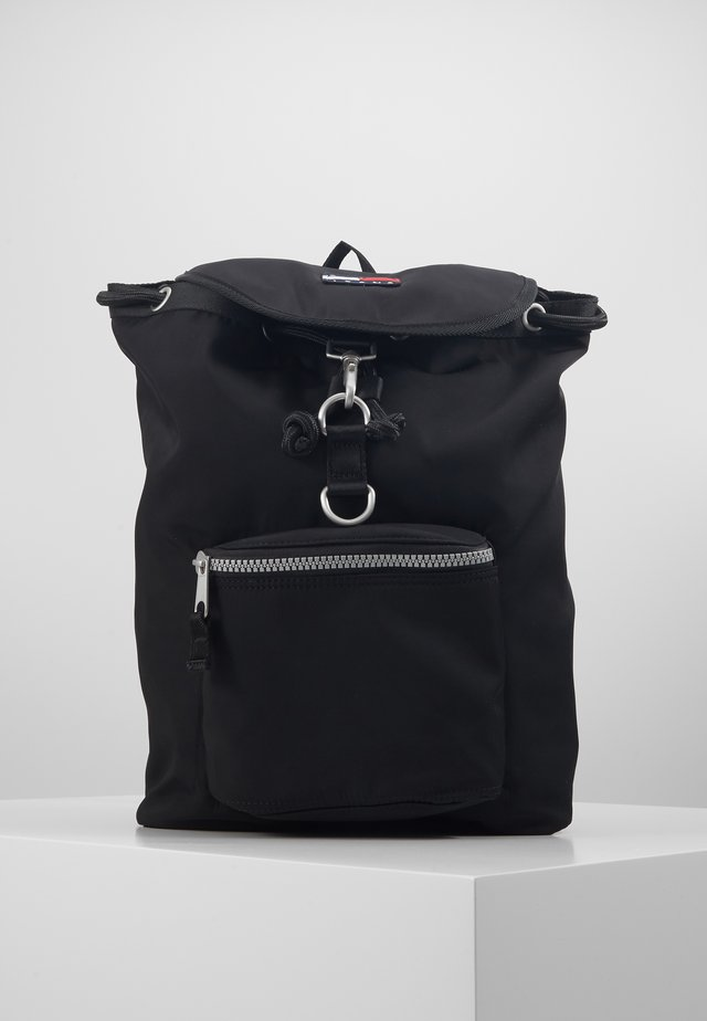 HERITAGE FLAP BACKPACK - Reppu - black