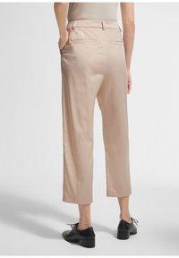 comma - Trousers - beige - 2