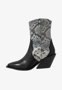 Zign - Cowboy/biker ankle boot - white/black - 1