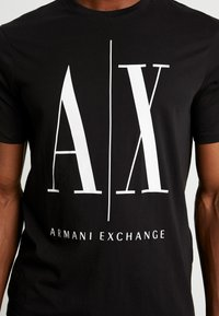 Armani Exchange - T-shirt med print - black - 5