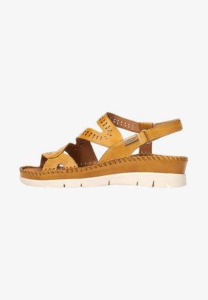 Wedge sandals - honey
