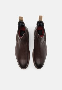 Shelby & Sons - NEDHAM CHELSEA BOOT - Kotníkové boty - brown - 3