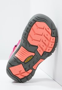 Keen - NEWPORT H2 - Walking sandals - very berry/fusion coral - 4